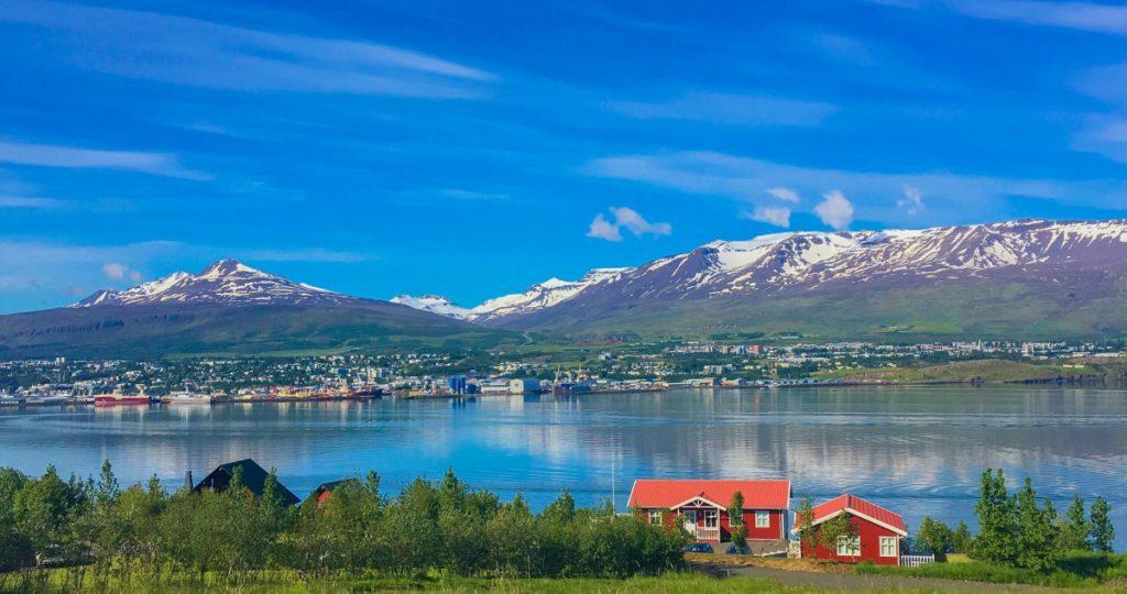 Stad, Island