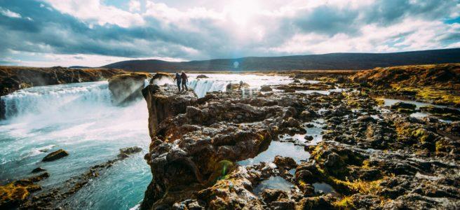 Varma källor på Island